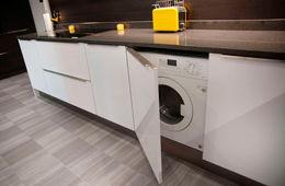 Установка стиральной машины на кухне Апрелевка